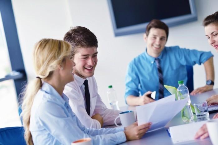 photodune 3573982 700x466 Бизнес встреча в офисе   Business meeting in office
