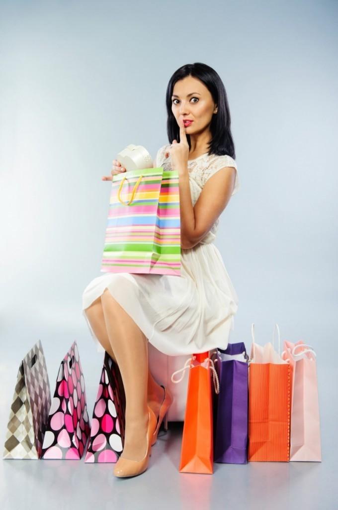 photodune 4149915 680x1024 Девушка с пакетами на шоппинге   Girl with bags for shopping