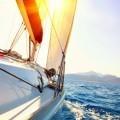 Яхта во время заката - Yacht Sailing against sunset