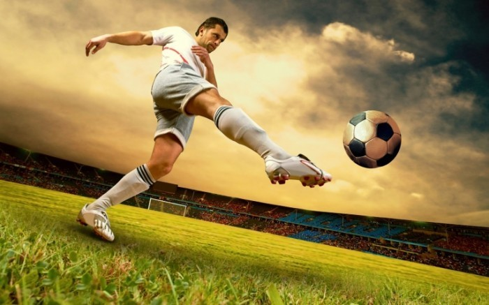 Fotolia 31009353 Subscription L 700x437 Футболист   Footballer