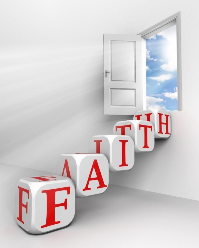 photodune 1291024 700x870 Дверь со словами faith   Door with the words faith