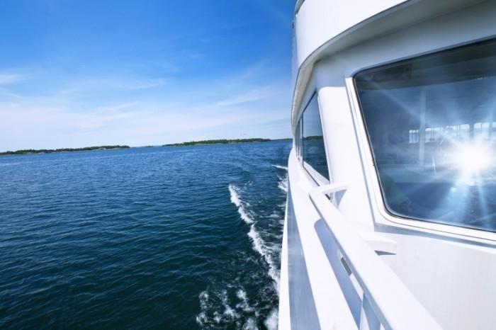 Яхта в море yacht in the sea белая яхта white