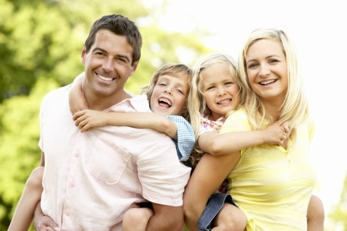 photodune 317366 700x466 Счастливая семья   Happy family