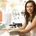 Женский помощник по продажам при оформлении заказа одежды - Female Sales Assistant At Checkout Of Clothing