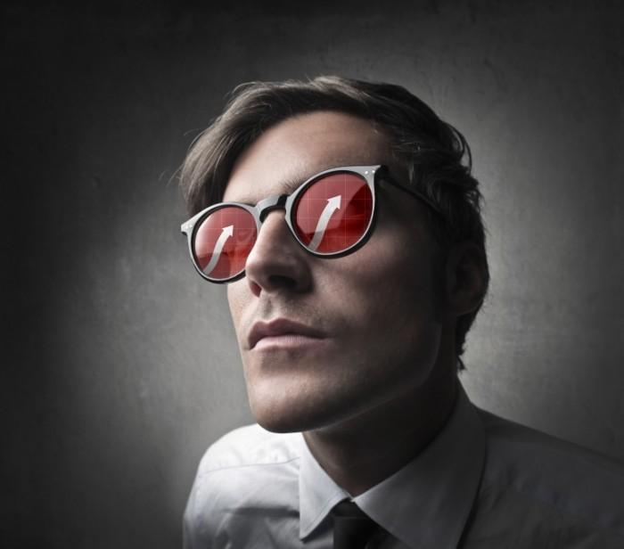 photodune 3549749 700x616 Мужчина в очках со стрелами   Bespectacled man with arrows