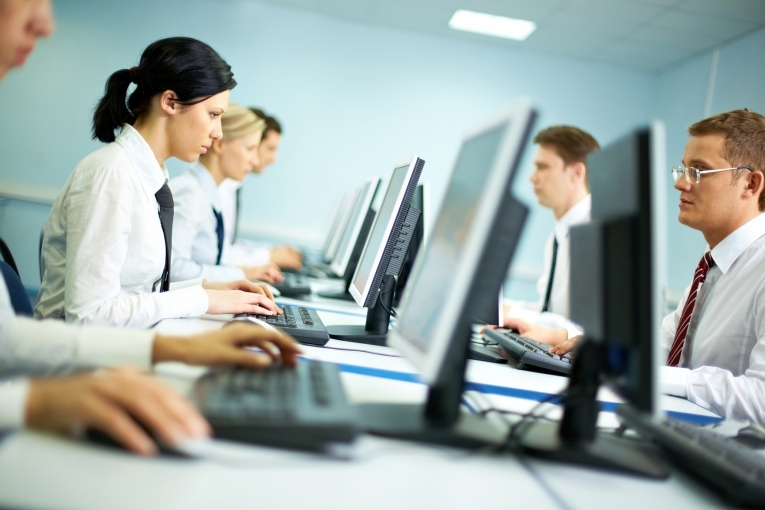 working on distance at a team Our knowledgeable faculty of managers and team leaders work to teach you how to effectively manage virtual teams leading virtual teams seminar #2280 classroom.