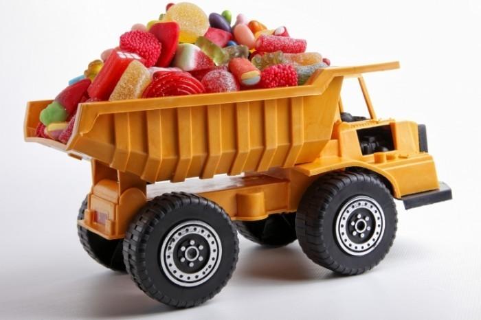 photodune 5211738 700x466 Грузовик с конфетами   Truck with candy