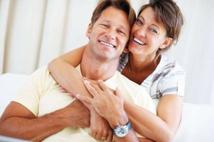 photodune 658637 700x466 Пара мужчина и женщина   Couple man and woman