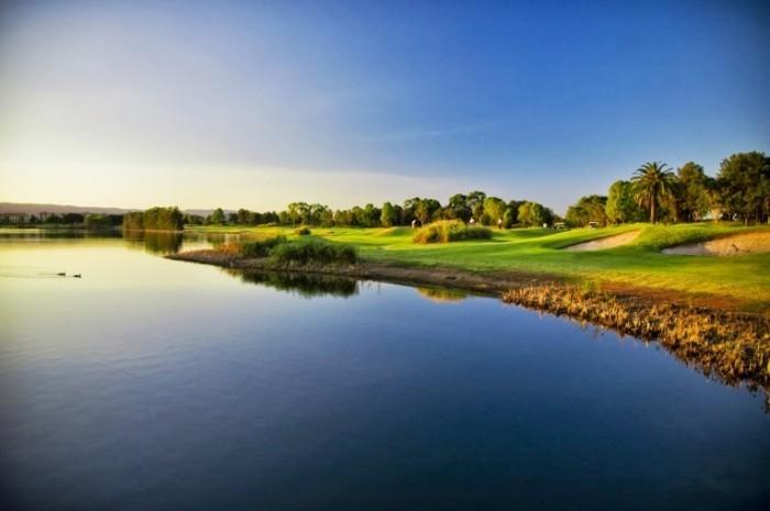 photodune 892628 700x465 Поле для гольфа и багги   Golf Course and buggies