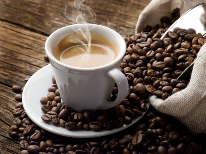 Fotolia 32282345 Subscription XXL 700x524 Кофе и зерна   Coffee and grains