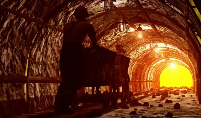 Fotolia 41353336 Subscription XL 700x411 Рабочие в тоннеле   Workers in the tunnel