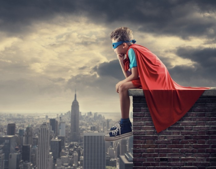 Fotolia 56480211 Subscription Monthly M 700x550 Супермен на крыше   Superman on the roof