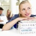 Девушка с учебниками - Girl with books