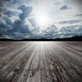Текстура дерева на фоне неба - Texture of wood against the sky