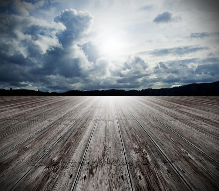 Fotolia 31366490 M 1 700x611 Текстура дерева на фоне неба   Texture of wood against the sky