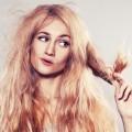 Ломкие волосы женщины - Brittle hair women