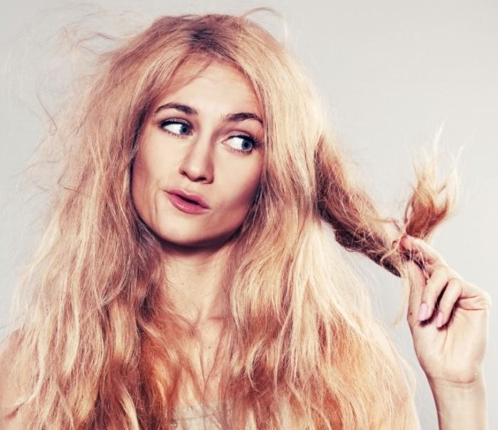 shutterstock 120095254 700x604 Ломкие волосы женщины   Brittle hair women