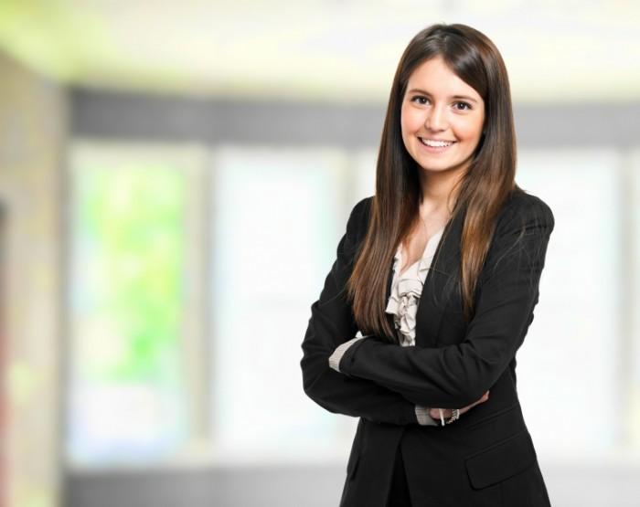 shutterstock 1245050921 700x555 Молодая бизнес леди   Young business woman