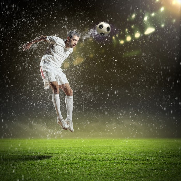 shutterstock 130463258 700x700 Футболист на поле   Soccer player on the field