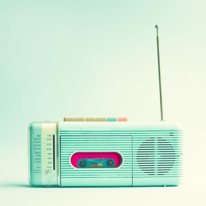 shutterstock 135191885 700x700 Радиоприемник   Radio