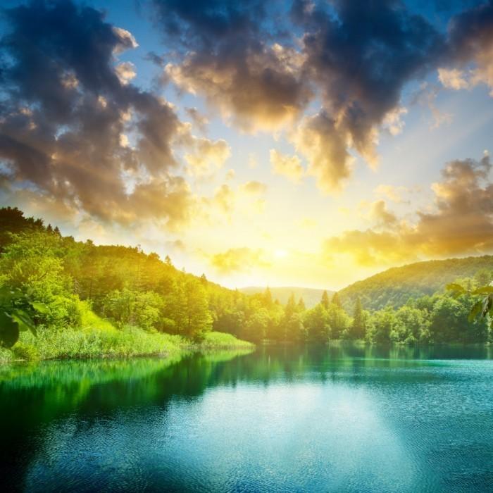 shutterstock 32586337 700x700 Пейзаж озера   Landscape of lake