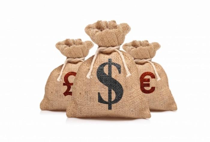 shutterstock 59462866 700x473 Мешки с деньгами   Bags of money