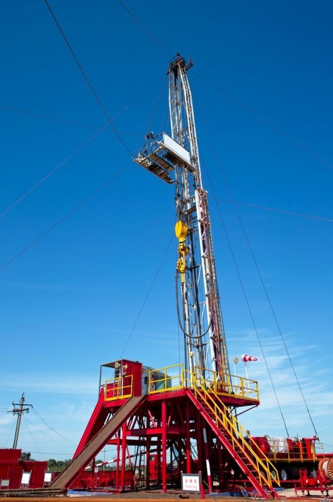 shutterstock 84056158 680x1024 Кран   Crane