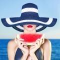 Дама в шляпе с арбузом - Lady in hat with watermelon