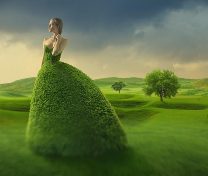 1384555160 istock 000022522727xxxlarge 700x592 Девушка в платье из листьев   Girl in dress of leaves