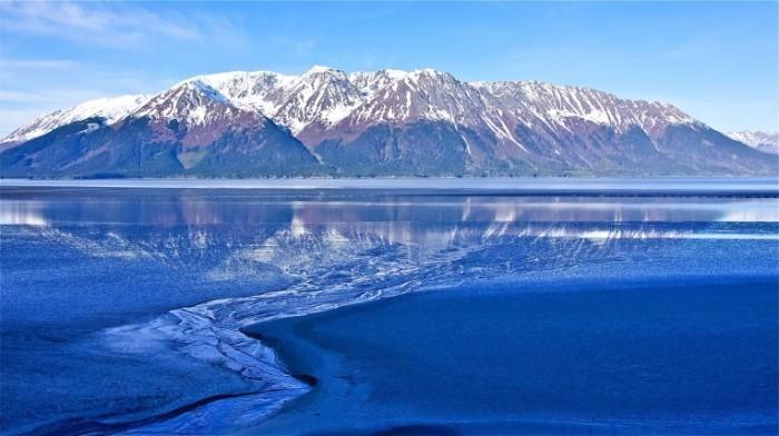 Alaskas Turnagain Arm via Shutterstock 700x392 Горы Аляски   Mountains of Alaska