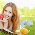 Девушка с фруктами - Girl with fruit