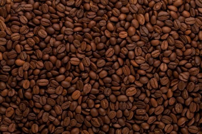Depositphotos 5626080 l 700x465 Кофейные зерна   Coffee beans
