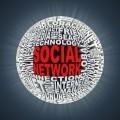Шар из букв с надписью социальна сеть - Bowl of letters with the word Social Network