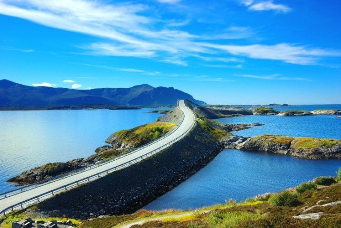 Fotolia 28075842 Subscription XL 700x468 Мост в Норвегии   Bridge in Norway