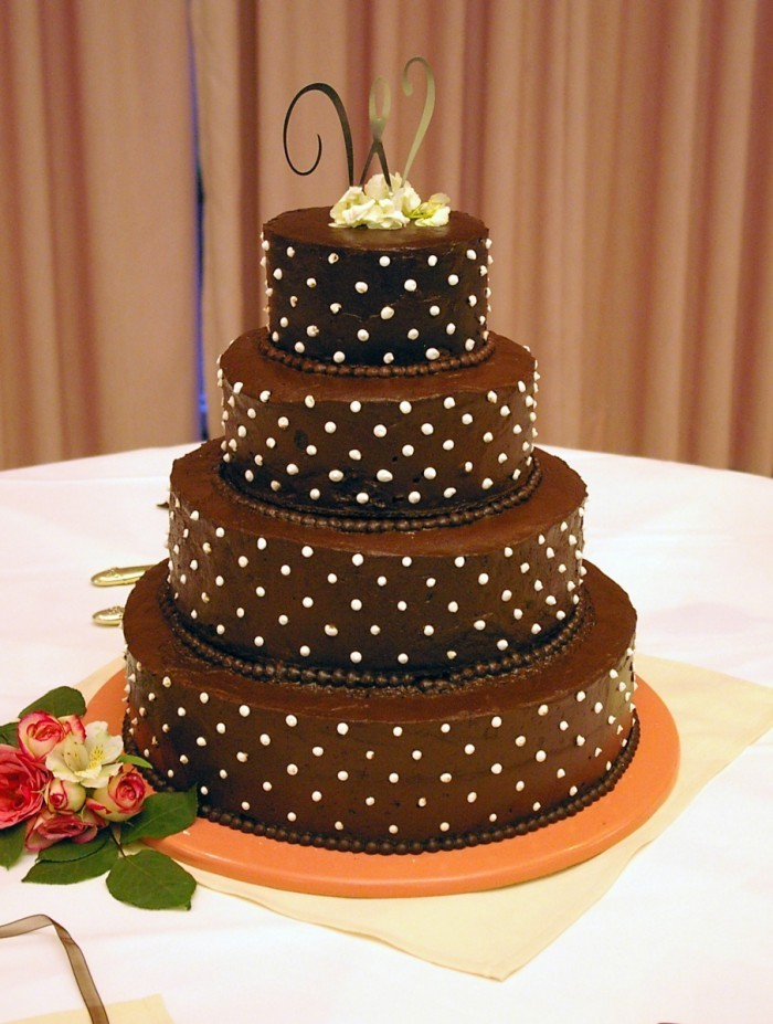 Fotolia 4622543 Subscription L 700x927 Шоколадный торт   Chocolate cake