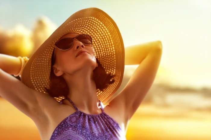 Fotolia 63971652 Subscription Monthly M 700x464 Девушка в шляпе   Girl in the hat