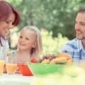 Семья за обедом - Family at dinner
