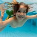 Девочка под водой - Girl under water