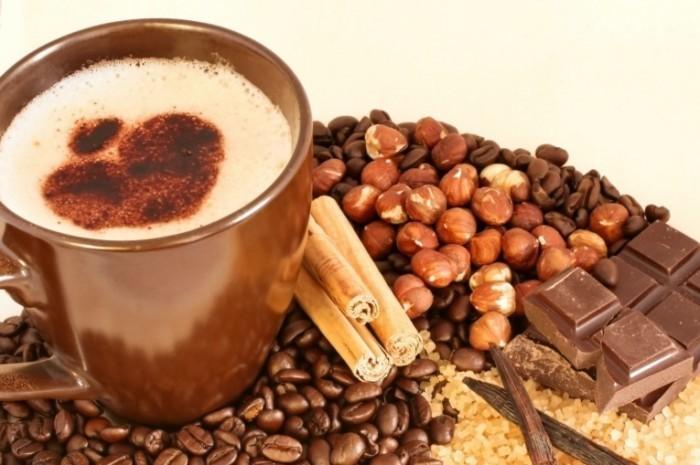 fotolia 3799171 m 700x465 Кофе с орехами и шоколадом   Coffee with nuts and chocolate