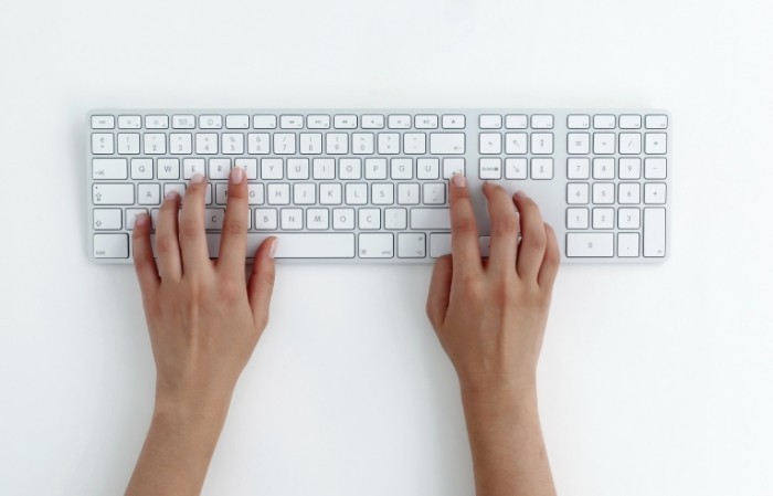 istock 000015008105xlarge 700x449 Белая клавиатура   White Keyboard