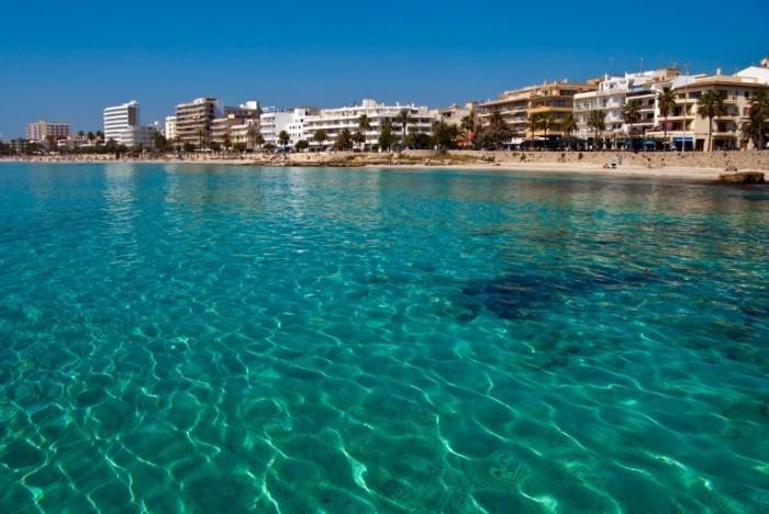 majorca cala millor shutterstock 54399550 700x468 Отдыхательный комплекс на майорке   Stay complex in Mallorca