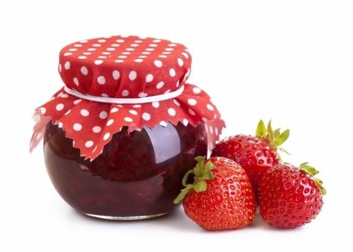 shutterstock 112619291 700x499 Клубничный джем   Strawberry jam