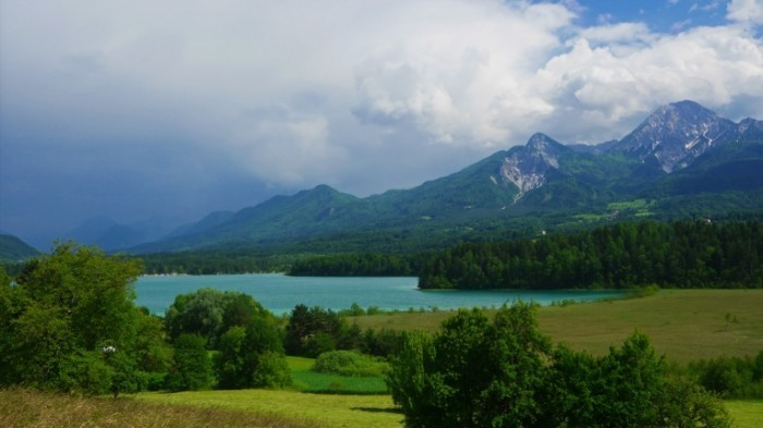 stock footage summer mountain lake landscape forstsee austria time lapse 1 700x393 Австрийские горы   Austrian mountains