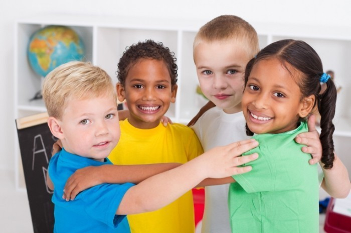 Fotolia 25486582 Subscription XXL 700x466 Дети разных национальностей   Children of different nationalities