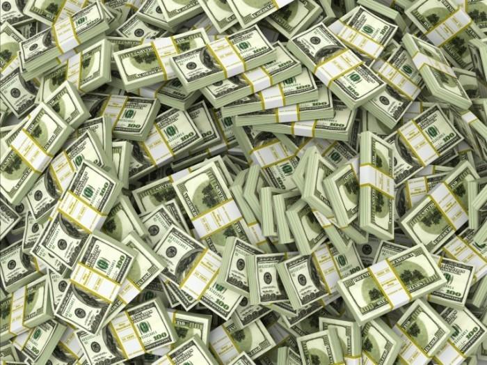 Fotolia 51817559 Subscription Monthly M 700x524 Стодолларовые купюры   Hundred dollar bills