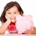 Девочка с копилкой - Girl with piggy bank