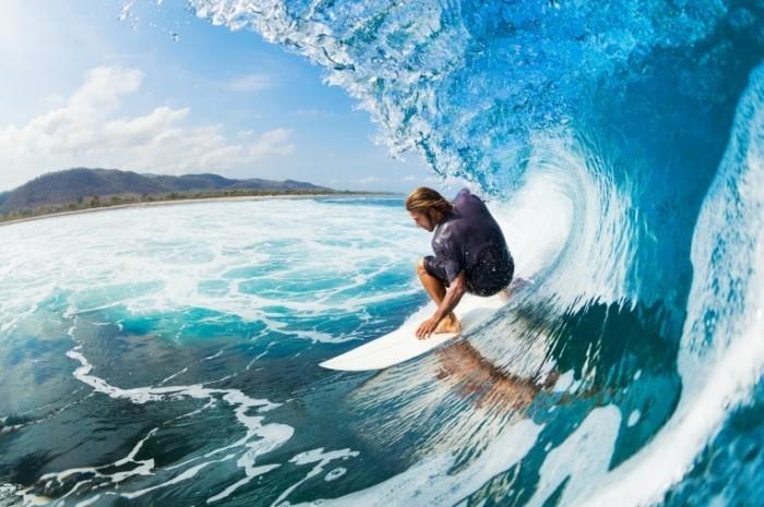 shutterstock 117660574 700x465 Серфинг   Surfing
