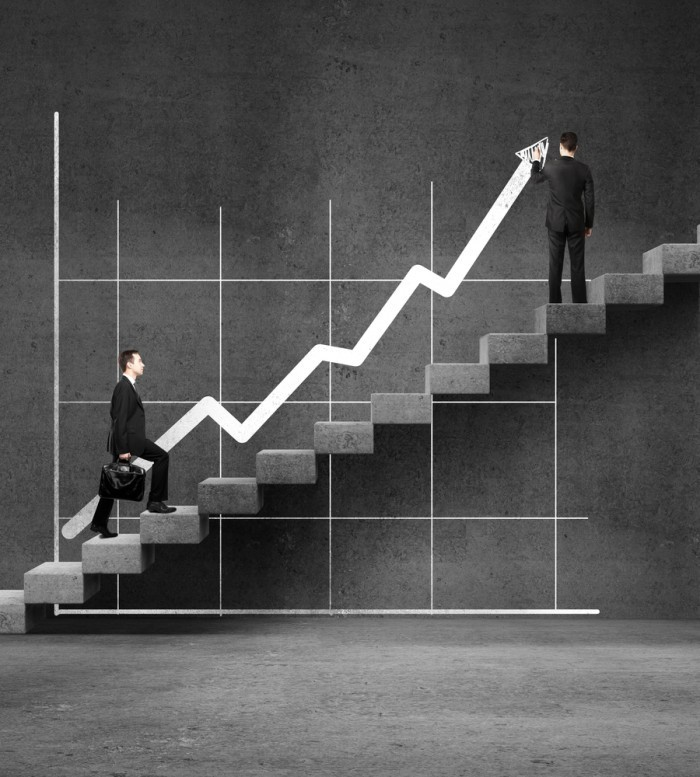 shutterstock 137564363 700x777 Карьерный рост   Career Opportunities