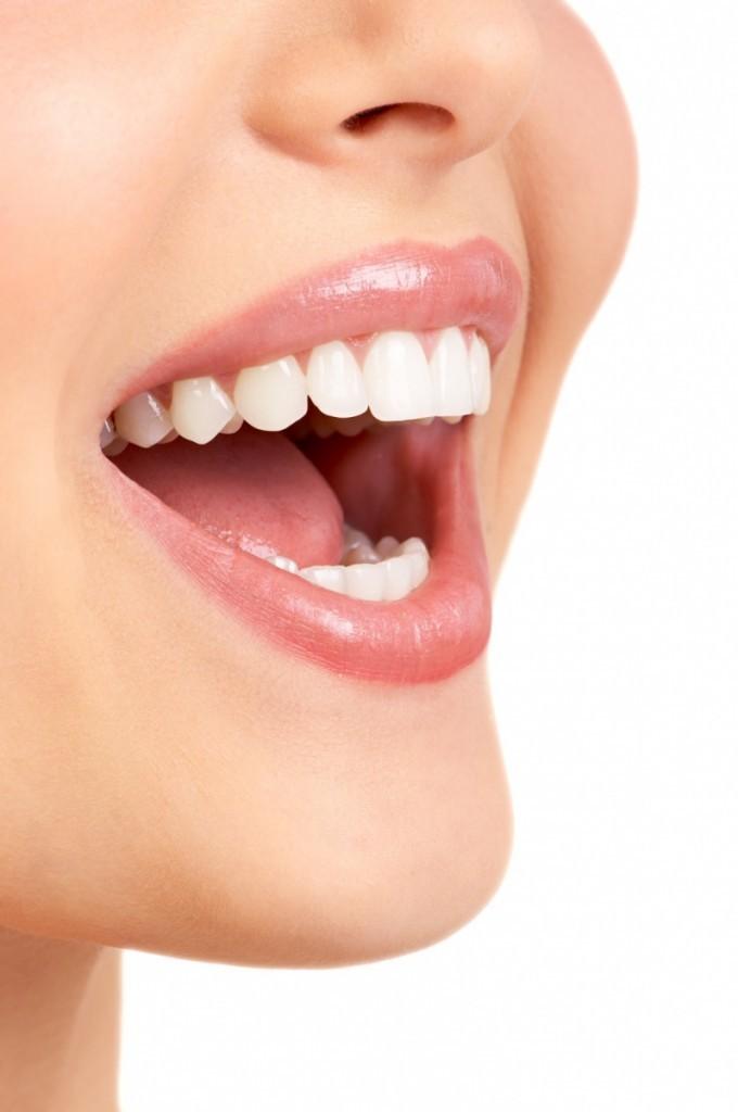 shutterstock 2243118 680x1024 Улыбка женщины   Smiling woman