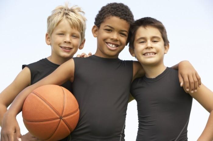 shutterstock 44536477 700x466 Ребята с баскетбольным мячом   Guys with a basketball